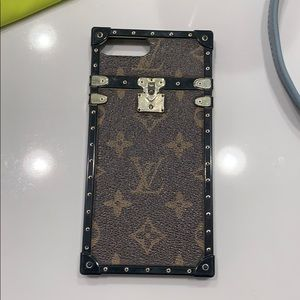 Used fickle monster case iPhone 8plus